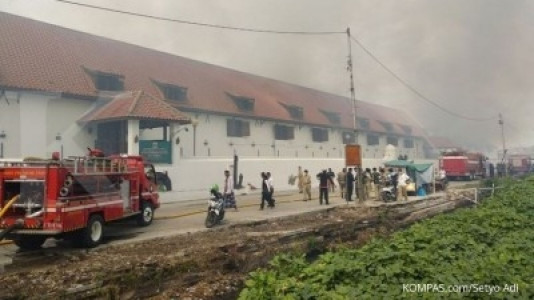 Museum Bahari di Pasar Ikan, Penjaringan terbakar